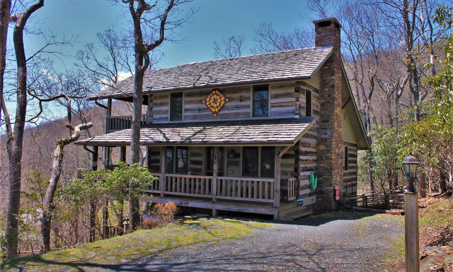 Charming Stonebridge Log Cabin