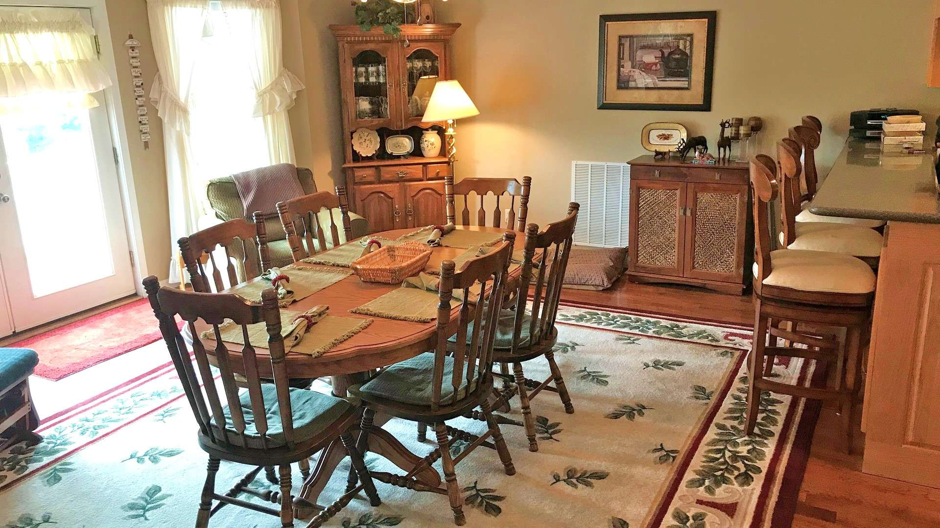The spacious dining area is perfect for entertaining dinner guests, or a candlelight dinner for two.
