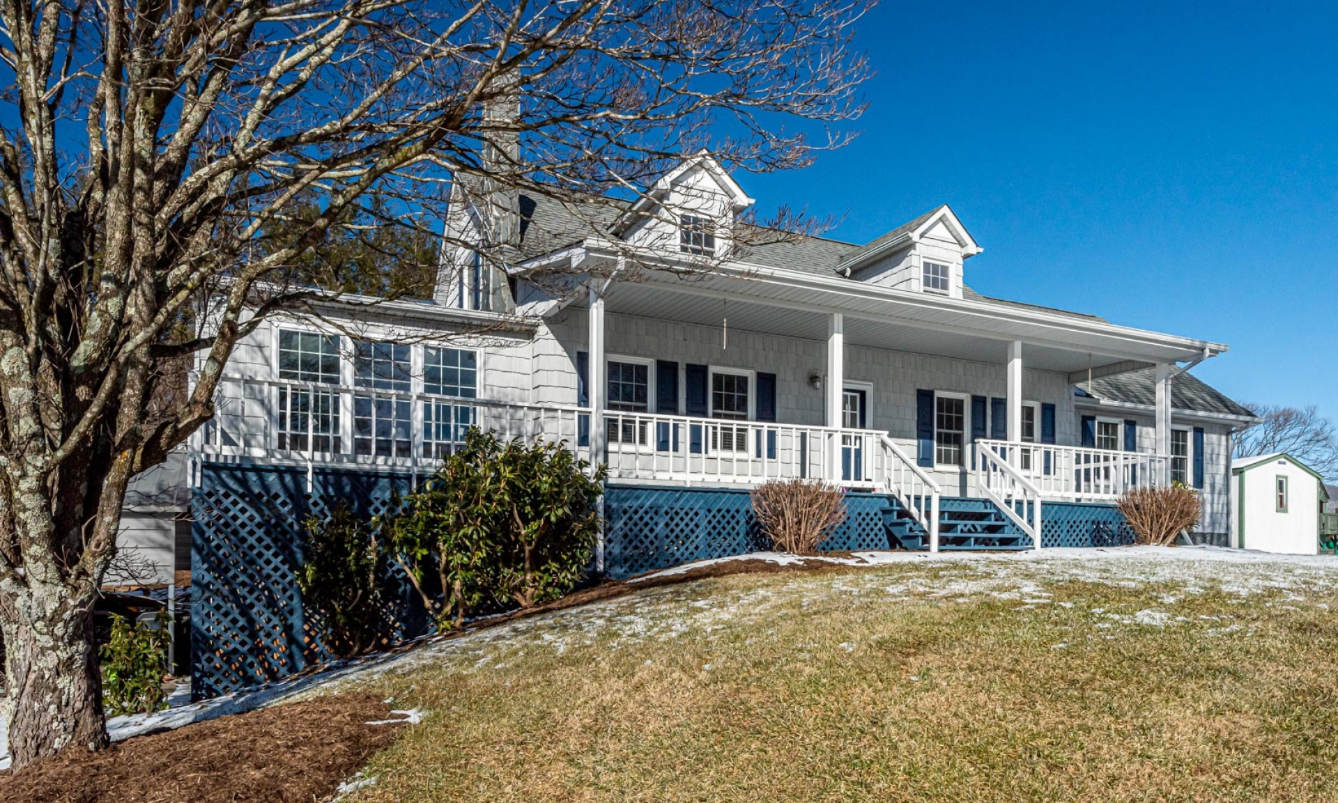 Large Cape Cod Style Mountain Home NC