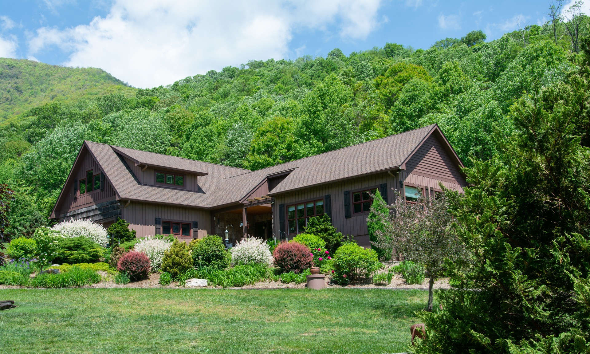 Luxurious Blue Ridge Mountain Farm NC
