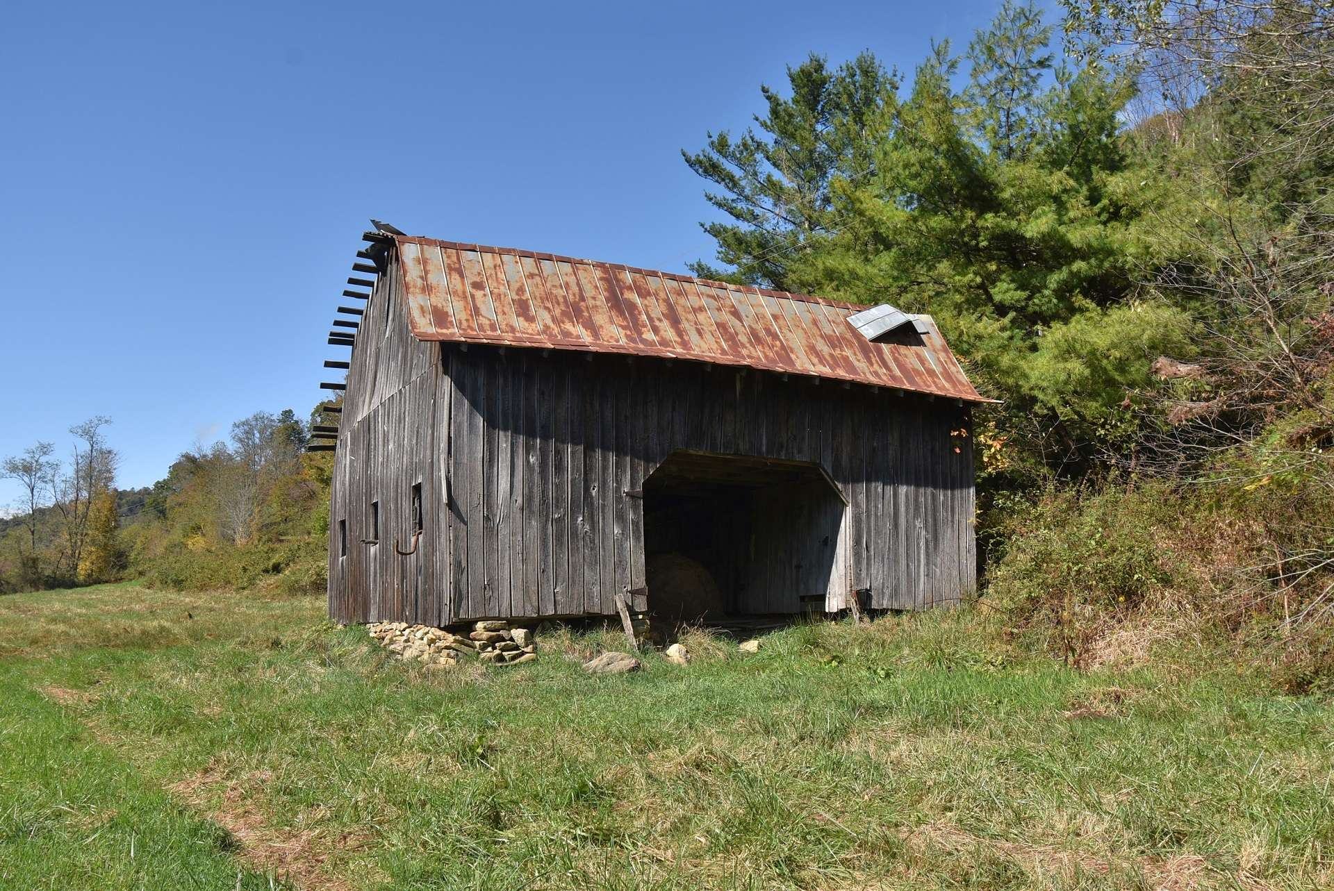 The property has plenty of barns and outbuildings for your farm animals and equipment.