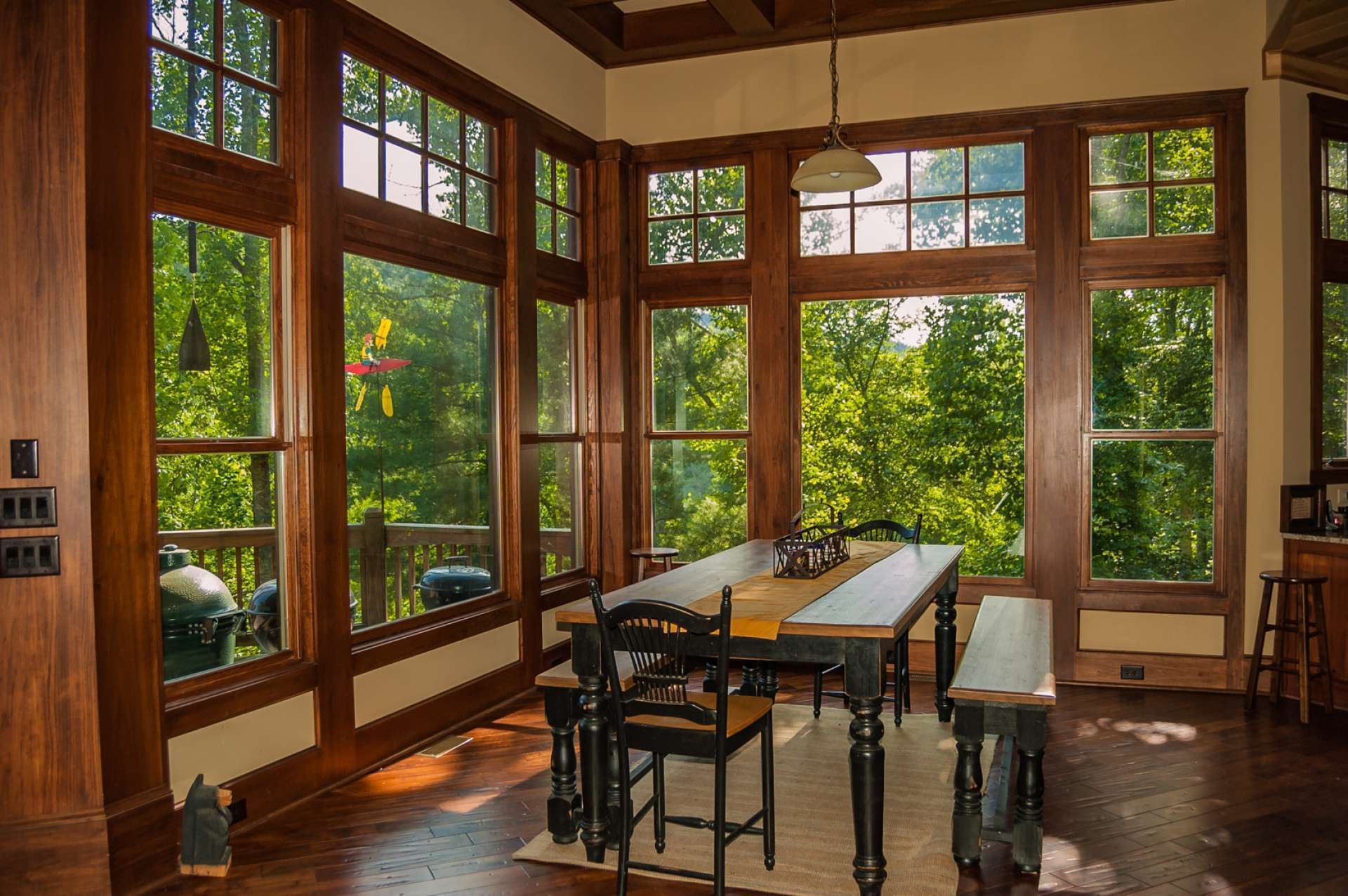 The dining area enjoys full view of the outdoors when dining inside.