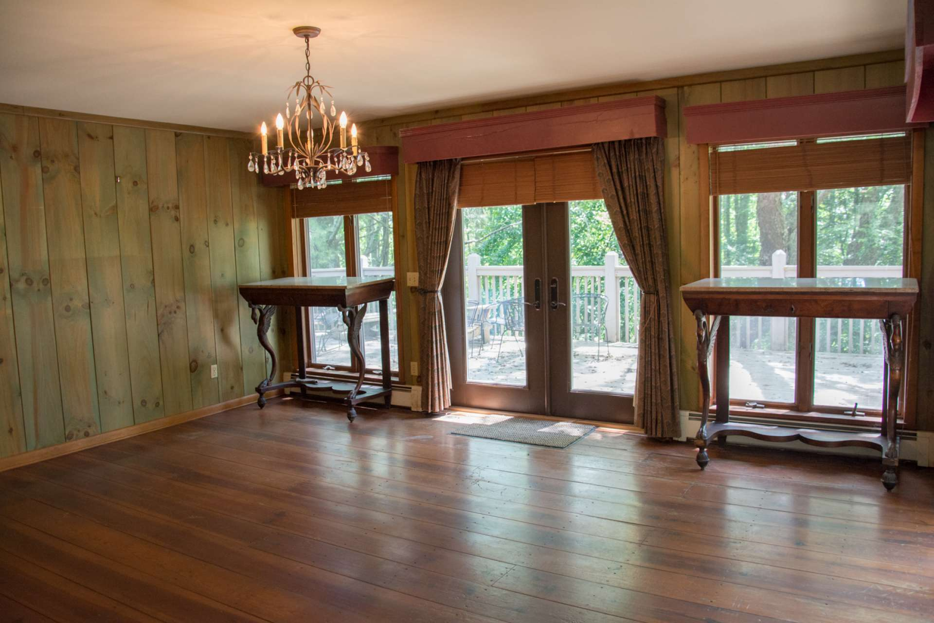 A spacious formal dining area provides a wonderful atmosphere for those special Holiday gatherings.