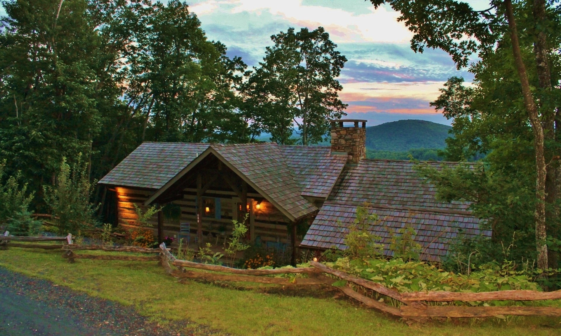 Stonebridge Log Cabin NC Mountains