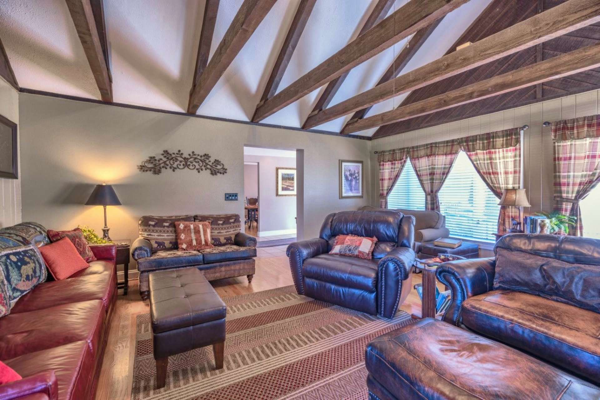 You will enjoy the craftsman style details in the large vaulted living area with lots of space for entertaining.